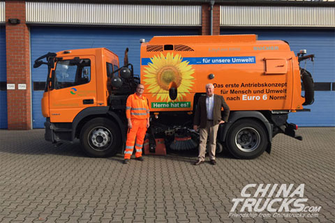 Allison-equipped road sweeper with single engine improves ease of use and effici