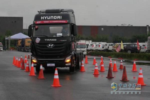 Philippines Customer Purchasing Sichuan Hyundai Trago Trucks