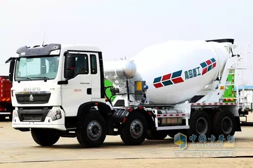 SINOTRUK Qingdao Heavy Industry Launches Subframe-Free Lightweight Mixer