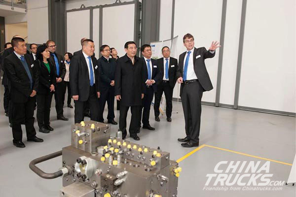 MIIT Leaders Pay a Visit to XCMG Europe