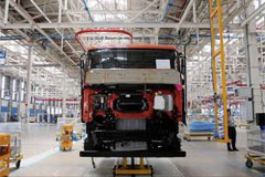 Daimler, Volvo Using India as an Export Hub for Its Trucks and Buses