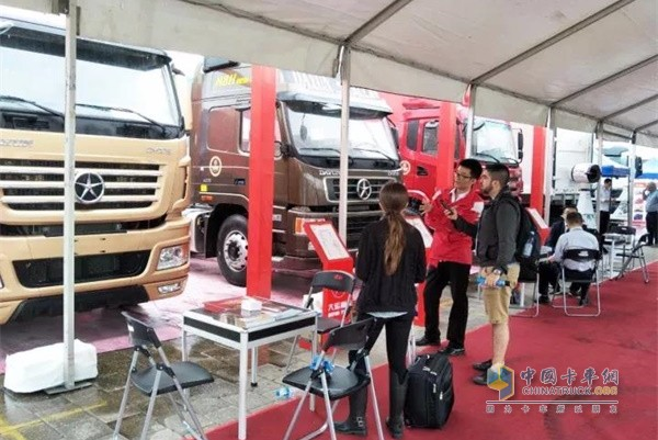 Dayun Heavy-duty Truck on Exhibition at 122nd Canton Fair