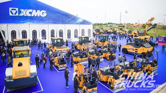 23 Series, Over 100 Sets of XCMG High-tech Road Machineries Released Worldwide