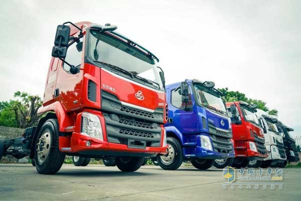 Liuzhou Motor Chenglong H5 and L3 Start Operation in Guangzhou