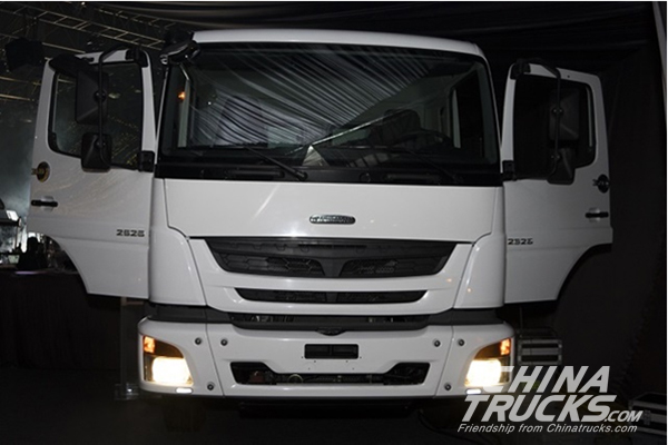 Daimler Brings Two New Cabover Tractors to Mexican Market