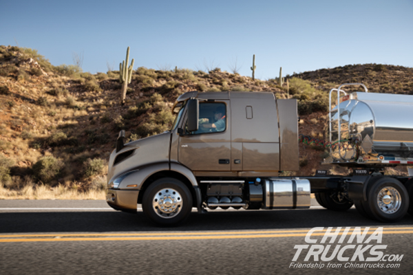 Volvo Introduces New VNL, VNR Tractors for Mexican Market