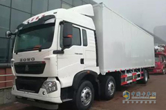 Sinotruk Howo T5G 6×2 Gas-powered Van: A New Choice for Express Delivery