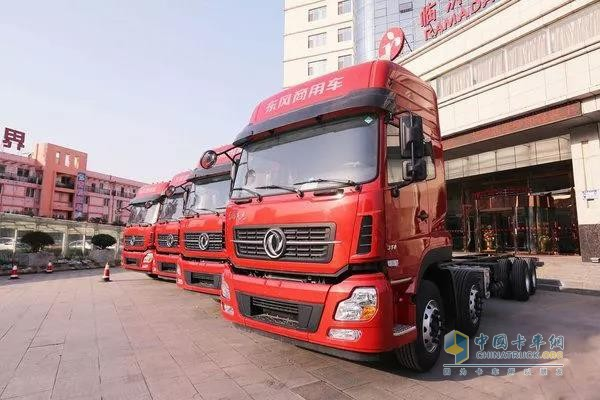 Dongfeng Kingland 8X4 Light Weight Truck Makes Its Debut