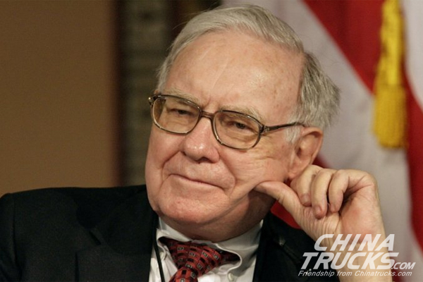 Warren Buffett Says These 4 CEOs Are Among the Best