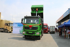 SHACMAN Unveils Its Delong New M3000 Intelligent Construction Truck in Shenzhen