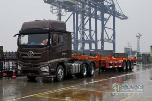 Jiefang Self-driving Trucks Set to Make Huge Splashes