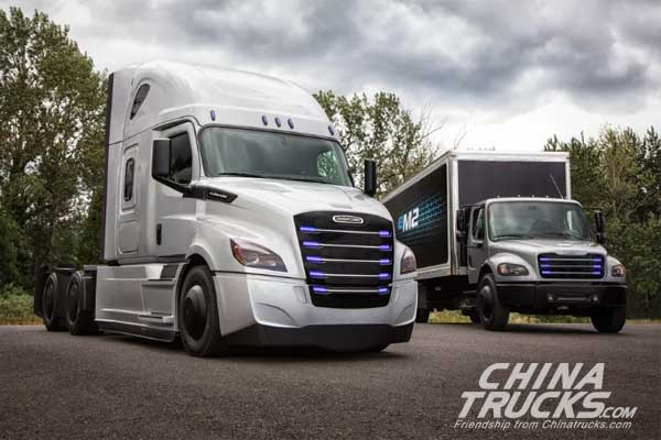 Daimler Unveils Two Heavy-duty Electric Trucks in Race with Tesla