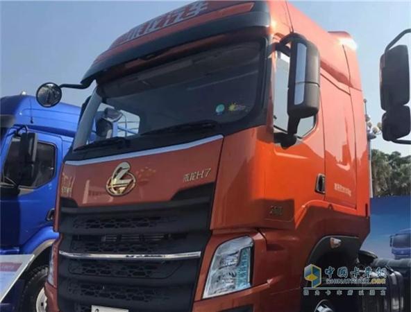Dongfeng Liuzhou Motor Showcase at China-Asean Automotive Industry Expo