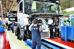 Hyundai Motor Cuts Truck Production to Cope with Falling Korea's Demand