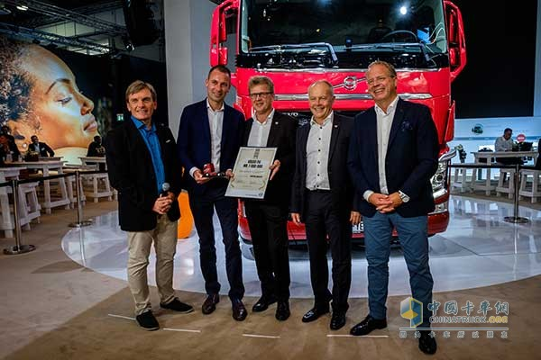 Volvo FH Celebrates Its 25th Anniversary and Delivers the Millionth