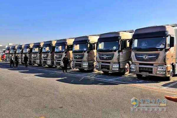 Dongfeng KX Trucks Arrive in Shenyang for Operation