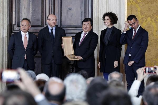 Tan Xuguang, Chairman of Weichai Group Won Italian Leonardo Awards
