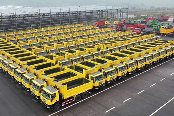 200 Units Hongyan Self-dumping Heavy-duty Trucks Arrive in Bolivia for Operation