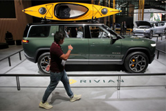 Amazon Orders 100,000 Electric Trucks from Rivian
