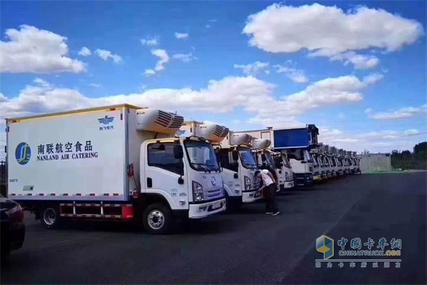 SHACMAN New Energy Refrigerated Trucks Start Operation at Daxing Int