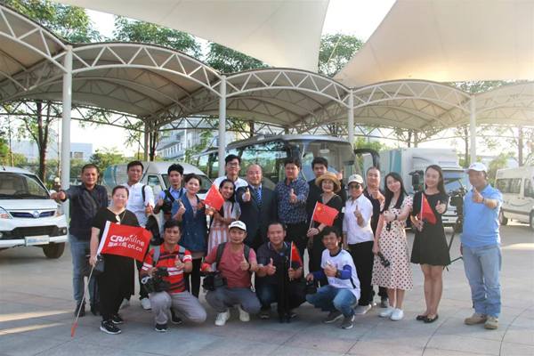 More Than 40 Foreign Journalists Visit Foton Motor in Beijing