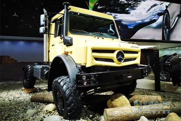 Daimler Brings its Latest Products on Display at CIIE