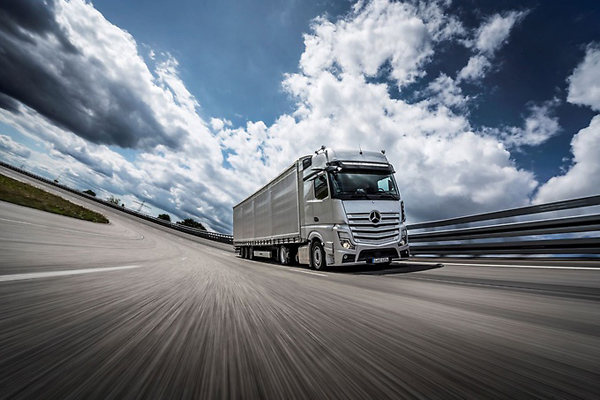Mercedes-Benz's New Actros Crowned Truck Of the Year 2020