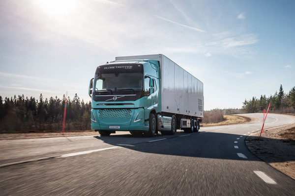 Volvo Developes Heavy-duty Electric Concept Trucks