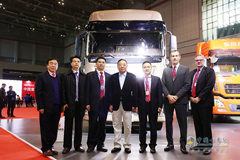 Dongfeng Commercial Vehicle Attends 2019 China Int'l Heavy-duty Truck Fair