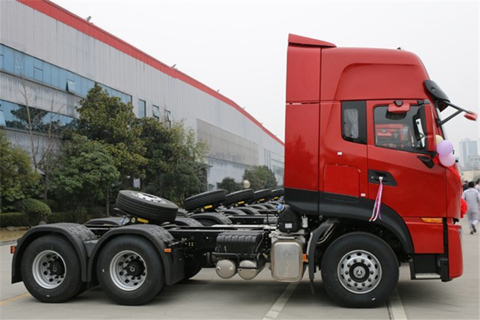Dongfeng KL 465PS 6X4 Semi Tractor+Renault Engine+Dongfeng Transmission