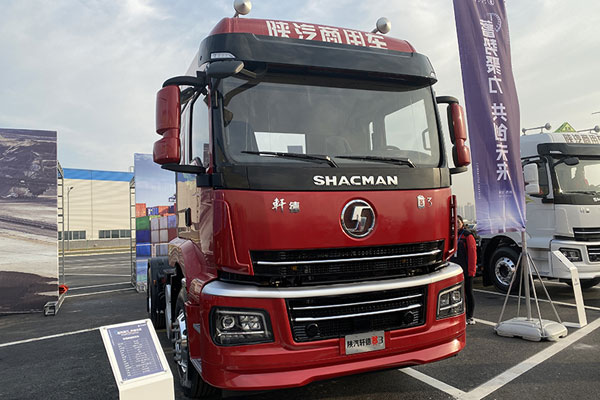 SHACMAN 500 HP 6x4 Xuandeyi3 Self-dump Truck Makes its Debut
