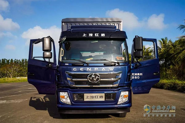 SAIC Hongyan Genpaw 4X2 Cargo Truck Targets Inter-city Logistic Market