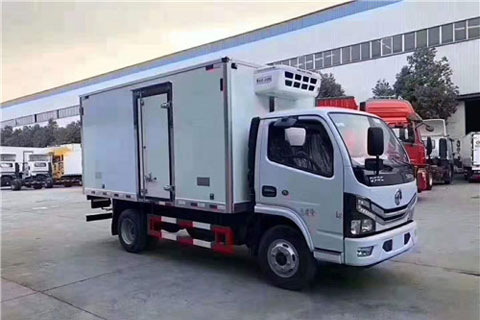 Dongfeng Duolika D6 Refrigerated Van