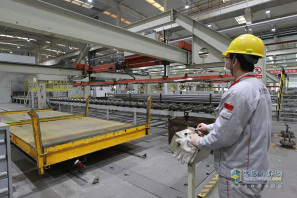 Dongfeng Trucks' Daily Output Hit 805 Units, at an All-time High
