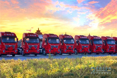 100 SAIC Hongyan Genlyon C6 LNG Trucks Delivered to Inner Mongolia