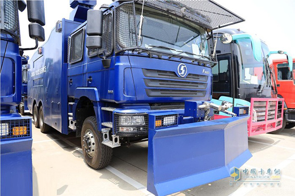SHACMAN Exports a Batch of Police Vehicles to Zambia