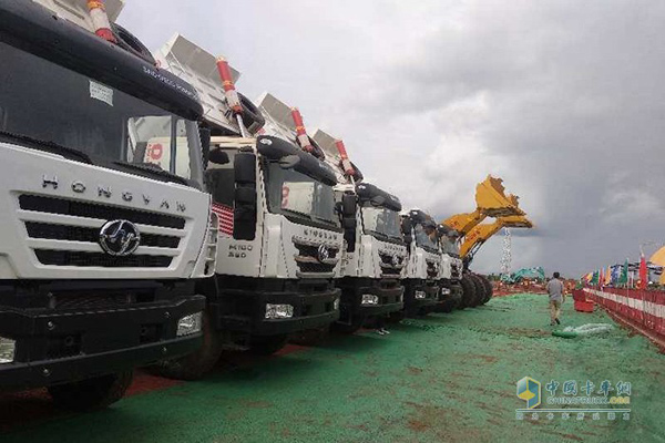 Hongyan Engineering Trucks Delivered for Use in China-Laos Railway Construction