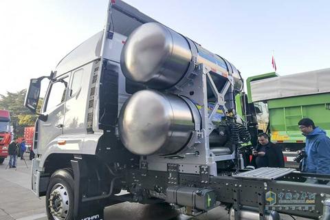 SINOTRUK N7G 480HP LNG Tractor+Sinotruk Engine+Sinotruk Transmission