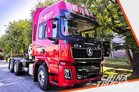 SHACMAN Delong X5000 LNG Tractor