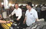 Premier Wen Jiabao visits Shaanxi Auto