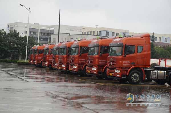 40 C&C U380 Trucks Delivered to Bohua Logistic