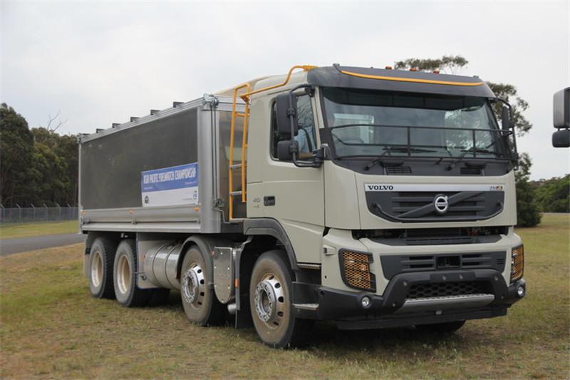 VOLVO FMX 410HP 8X4 Euro 5-Compliant Dumper