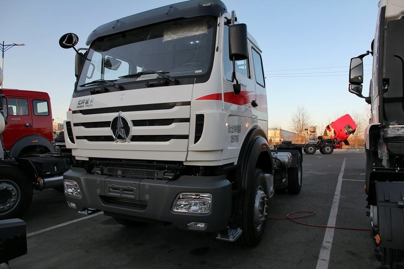 NG80B 380HP 4X2 Euro 5 LNG Tractor Head(ND4180A38J6Z01)
